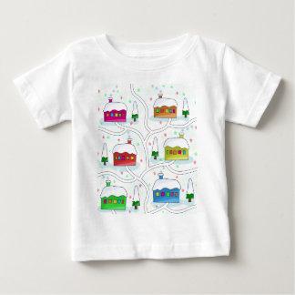 Paisaje mágico del invierno camiseta de bebé