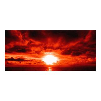 Paisaje marino rojo de la puesta del sol tarjeta publicitaria personalizada