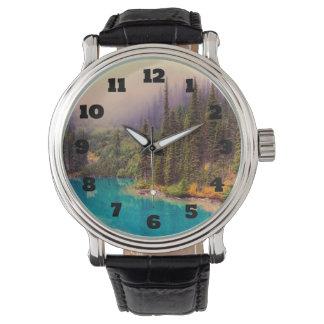 Paisaje septentrional escénico rústico reloj