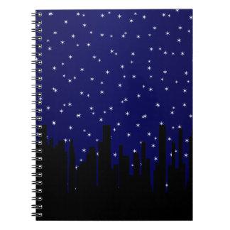 Paisaje urbano de la noche de Stary Cuaderno