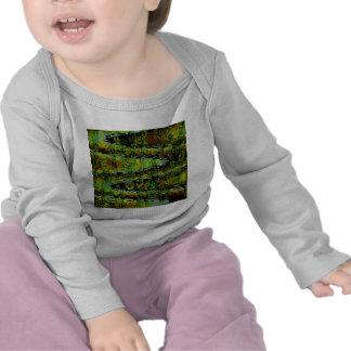 Países de las maravillas - lagunas verde oscuro camiseta