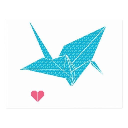 pájaro del origami con el corazón tarjeta postal