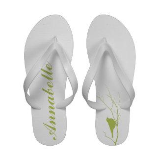 Pájaro en las sandalias elegantes verdes personali