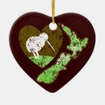 Pájaro NUEVA ZELANDA del kiwi con un corazón del Adorno Navideño De Cerámica En Forma De Corazón