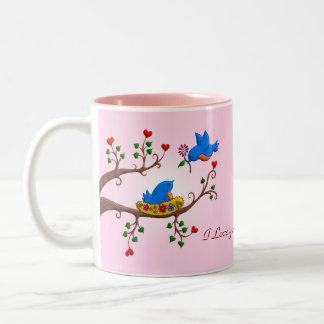 Pájaros del amor de la tarjeta del día de San Vale Tazas