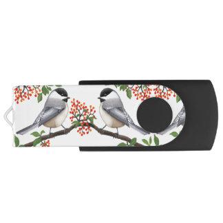 Pájaros del Chickadee con memoria USB de las bayas