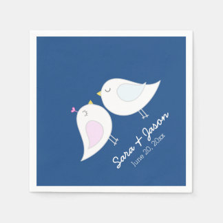Pájaros lindos del amor en el boda de los azules servilleta de papel
