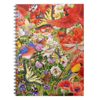 Pájaros, mariposas y cuaderno espiral de las