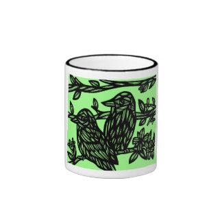 Pájaros negros del verde dos taza a dos colores