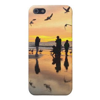 Pájaros y gente iPhone 5 cárcasa