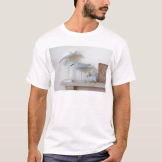 Pájaros y ovejas de madera del abedul camiseta