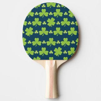 Pala De Ping Pong Ilustracion de la hoja del trébol