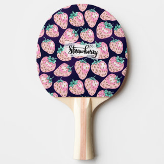 Pala De Ping Pong Modelo rosado de la fresa en fondo púrpura