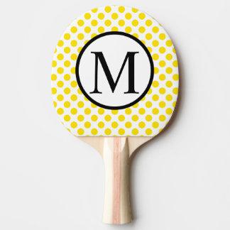 Pala De Ping Pong Monograma simple con los lunares amarillos