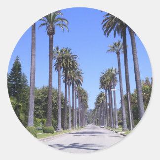 Palmeras en una calle en Los Ángeles Pegatinas Redondas
