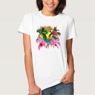 Palmeras y puestas del sol de la isla camiseta