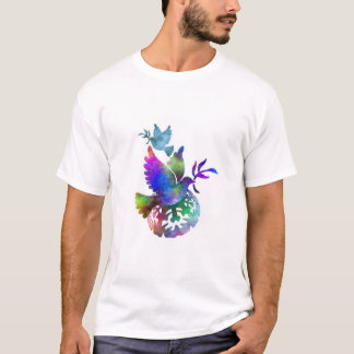 Paloma colorida de los pájaros de la paz con la camiseta