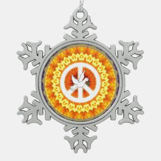 Paloma psicodélica de la paz adorno de peltre en forma de copo de nieve