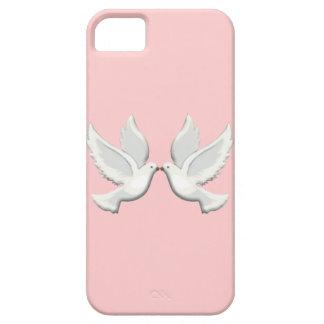 Palomas en el caso rosado del iPhone 5G Funda Para iPhone 5 Barely There