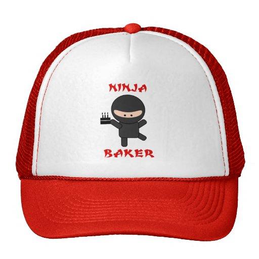 panadero del ninja con la torta gorro