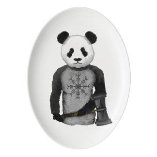Panda con un martillo de la guerra de Viking Fuente De Porcelana