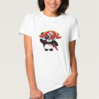 Panda en traje rojo del pirata camiseta