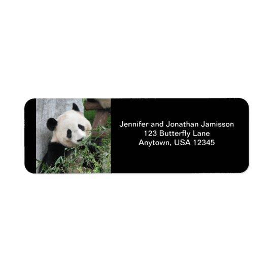 Panda gigante, etiquetas negras del remite