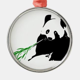 Panda que come el bambú ornaments para arbol de navidad