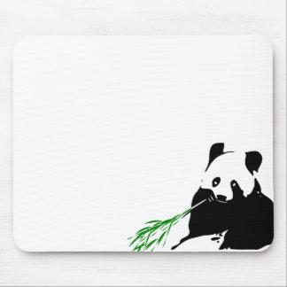 Panda que come el bambú alfombrilla de ratón