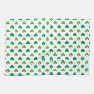 Paño De Cocina 2-Shades de tréboles verdes en St Patrick blanco