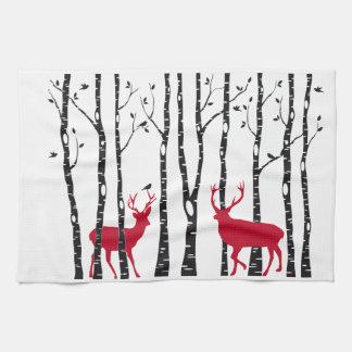 Paño De Cocina Ciervos rojos en bosque del árbol de abedul