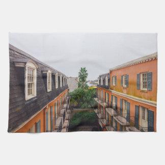 Paño De Cocina Edificios y palmeras en New Orleans