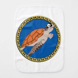 Paño Para Bebés Natación anaranjada de la tortuga de mar con un