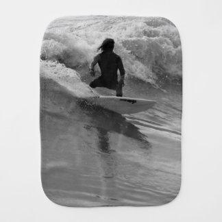 Paño Para Bebés Practicar surf el Grayscale de las ondas