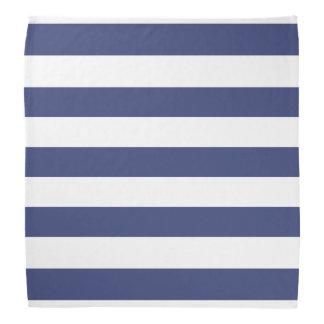 Pañuelo azul y blanco náutico del modelo rayado
