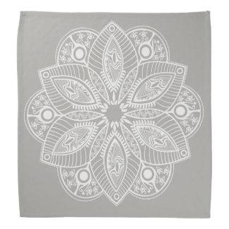 Pañuelo blanco exótico de la mandala