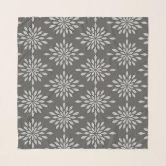 Pañuelo Diseño geométrico elegante, plata en gasa del gris