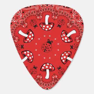 Pañuelo rojo púa de guitarra