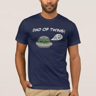 """¡Papá de gemelos """"estamos aquí! """" Camiseta"""