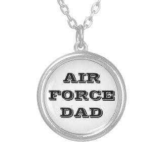 Papá de la fuerza aérea del collar