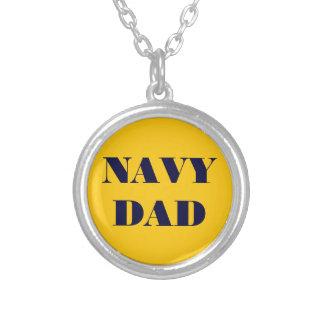 Papá de la marina de guerra del collar