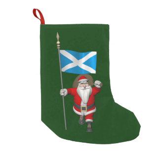 Papá Noel con la bandera de Escocia Calcetín De Navidad Pequeño