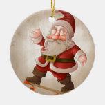 Papá Noel en el monopatín Adorno Redondo De Cerámica