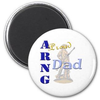 Papá orgulloso de ARNG Imanes