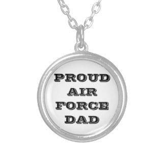 Papá orgulloso de la fuerza aérea del collar