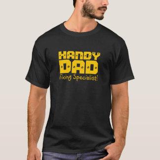 ¡Papá práctico - especialista de la fijación! Camiseta