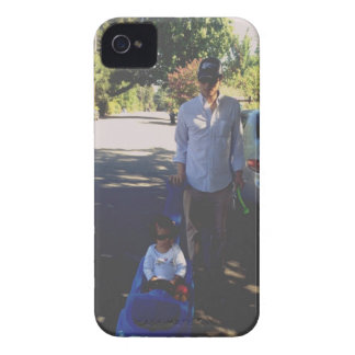 Papá y Noelle iPhone 4 Case-Mate Fundas
