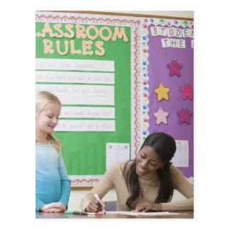Papel de clasificación de los chicas del profesor postal