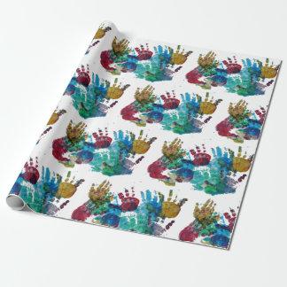 Papel de embalaje de los handprints del bebé