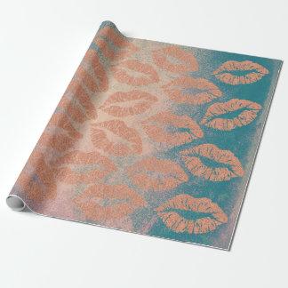 Papel De Regalo El maquillaje de cristal de los labios del beso se
